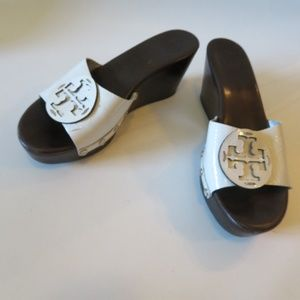 TORY BURCH WHITE WEDGE SLIDES LEATHER SANDAL S: 9*